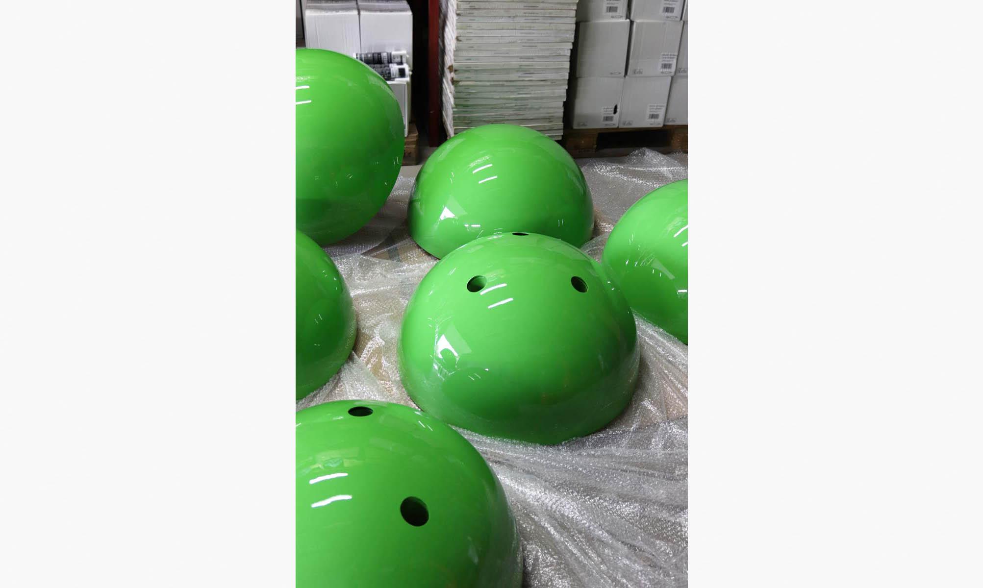 Zielone lampy z kompozytu
