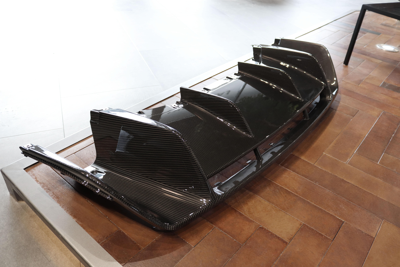 Dyfuzor samochodowy z Carbonu